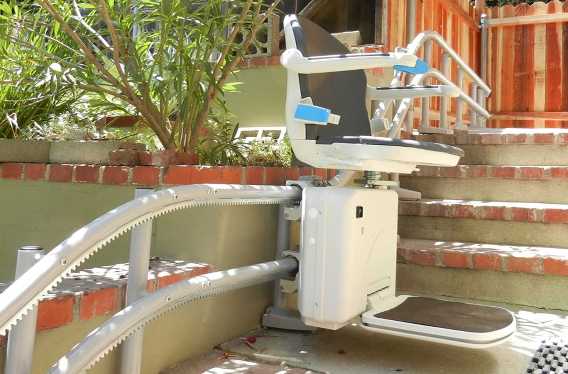 Companion 2000 Curved Stairlift Image